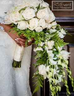 Crushing on this cascading white floral bouquet by Planning: Cascading Bridal Bouquets, Spring Wedding Bouquets, Cascade Bouquet, Fall Bouquets, Bridal Flowers, Elegant Wedding, Floral Wedding, Strictly Weddings, Wedding Styles