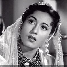 50 Beautiful Faces in Bollywood: Madhubala