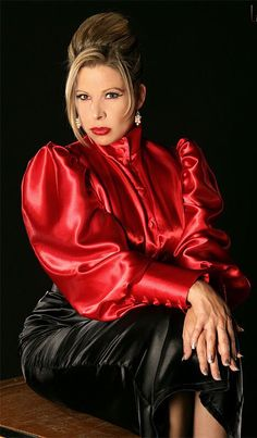 women in Satin Red and Black Sexy Blouse, Blouse And Skirt, Blouse Dress, Satin Skirt, Satin Dresses, Satin Bluse, Sexy Older Women, Beautiful Blouses, Silk Satin