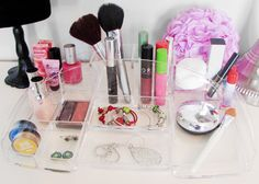 Evelots Clear Acrylic Cosmetic Organizer With 15 Compartments, Jewelry & Make Up