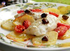 Filetti di merluzzo alla mediterranea, secondo piatto molto gustoso, cotto in forno in modo semplice e sano!
