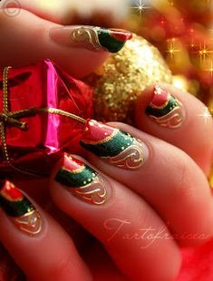 christmas nailChristmas nail art Christmas is the period of wonderful gifts and Christmas tree. Here are some Christmas nail designs photos. Cute Christmas Nails, Christmas Nail Art Designs, Holiday Nail Art, Xmas Nails, Christmas Time, Simple Christmas, Christmas Manicure, Christmas Design, Beautiful Christmas