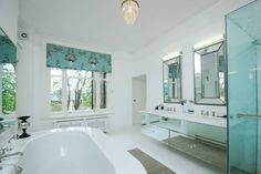 First En Suite Bathroom - 7 bed house to rent, Cheyne Place, Chelsea, London SW3