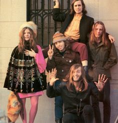 photo Linda McCartney (Eastman): Janis Joplin with Big Brother and The Holding Company Janis to the left, and then clockwise from bottom: Sam Andrews, Dave Getz, Peter Albin and James Gurley 1968