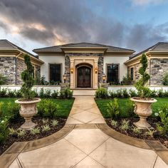 Here are four #RealEstate trends that we can expected to see in the coming year. http://www.realtytoday.com/articles/60851/20151210/4-real-estate-trends-expected-2016.htm