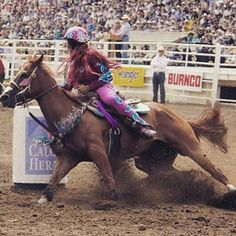 Some girls are just born with glitter in their veins❤️ #whatthehelmet #thebabyfloshow #dowork @fallontaylor2