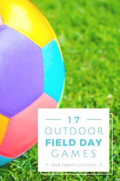 17 Outdoor Field Day Games for kids perfect for school field day, birthday parties, summer parties, family reunions and more. I would use this in PE for outdoor field day games. Relay Games For Kids, Outside Games For Kids, Sports Games For Kids, Outdoor Games For Kids, Games For Teens, Outdoor Activities, Sensory Activities, Picnic Games For Kids, Indoor Games