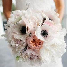 A gallery of the Best Wedding Bouquets of 2013. (Photographer: Riverland Studios) by letha