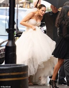 Katharine McPhee wedding EXCL: Star stuns in ruffled gown as she marries David Foster in London | Daily Mail Online
