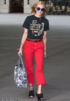 Rock chic: The beloved TV presenter stood out in some bright scarlet boyfriend jeans, with a flattering high waist and a cut-off ankle, paired with a grungy Led Zeppelin top Boyfriend Jeans, Mom Jeans, Martin Kemp, Cute Tats, Fearne Cotton, Red Trousers, Tv Presenters, Cotton Style, Rock Chick
