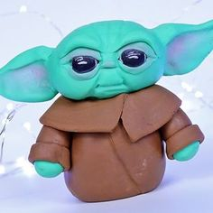 #caketutorials hashtag on Instagram • Photos and Videos Fondant Shoe Tutorial, Cake Topper Tutorial, Cake Toppers, Yoda Cake, Just Cakes, Smurfs, Photo And Video, Videos, How To Make