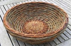 Willow Weaving, Basket Weaving, Square Baskets, Weave Styles, Weaving Art, Diy And Crafts, Lamps, Creative, Handmade