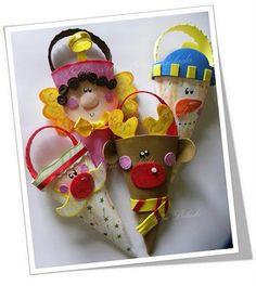 MOLDES DE CONOS!!! Kids Crafts, Foam Crafts, Christmas Crafts For Kids, Christmas Projects, Paper Crafts, Christmas Makes, Christmas Time, Holiday, Christmas Favors