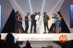 """Moda Luanda 2017: """"É gratificante receber este prémio, dá-nos força para continuar""""-Zona 5 https://angorussia.com/entretenimento/famosos-celebridades/moda-luanda-2017-gratificante-receber-premio-da-nos-forca-continuar-zona-5/"""