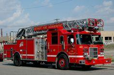 ◆Detroit, MI FD Ladder 48 ~ Pierce 100' RMA◆