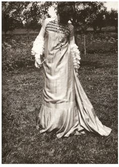 """Emilie Flöge : The woman who designed and made Klimts """"the Woman In Gold"""" dress."""