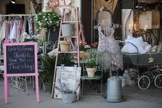 Mira Faraday at Girls Gone Junkin, First Monday Trade Days, Canton, Texas. Love the creative display.