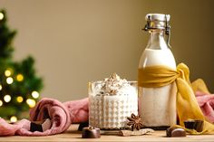 Domáci vaječný likér bez salka - Recept - Lenivá Kuchárka Rum, Table Decorations, Food, Home Decor, Tatoo, Decoration Home, Room Decor, Essen, Meals