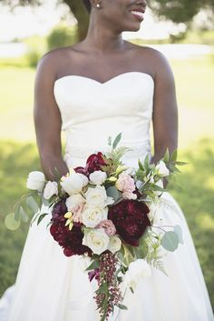 Bayvue Estate | Gloucester, Virginia Wedding | Burgundy, and white wedding inspiration | Peony, pepperberry, rose, and tulip floral bouquet