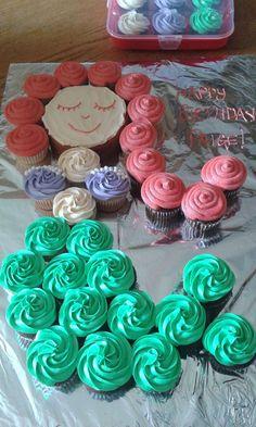 Most Popular mermaid birthday party cake cupcakes Ideas Cupcake Party, Mermaid Cupcake Cake, Little Mermaid Cupcakes, Mermaid Birthday Cakes, Little Mermaid Birthday, Little Mermaid Parties, Mermaid Tail Cake, Girl Birthday Cupcakes, Diy Birthday