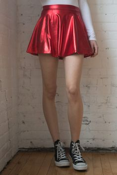 Cute Skater Skirts, Red Skater Skirt, High Waisted Skater Skirt, Leather Skater Skirts, Country Girl Style, Country Girls, Gothic Fashion, Girl Fashion, Metallic Jeans