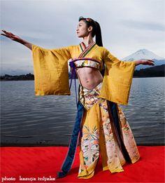 kimono style costume-- love this.