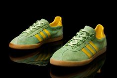 T-Master, probably one of the rarest models from the 3 stripe stable for the collector. Stemming from adidas jumping aboard the bandwagon and making free usage of the German confederation of sports marketing campaign to stimulate fitness in the population in the mid 1970's, the Trimm Trab range of clothing and footwear were launched.  CHECK THE SITE FOR MORE INFO: