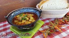 Gazdag húsgombócleves bográcsban Chana Masala, Ethnic Recipes, Food, Meal, Essen, Hoods, Meals, Eten