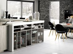 Cuisine ouverte Home Kitchens, Shelving, Divider, Architecture, Room, Furniture, Mountain, Bar, Home Decor