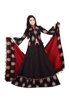 Choli Blouse Design, Choli Designs, Fancy Blouse Designs, Fashion 101, Fashion Sale, Chania Choli, Lengha Choli, Lehenga Online, Womens Fashion Stores