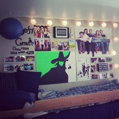 I like the organization of all this on the walls!