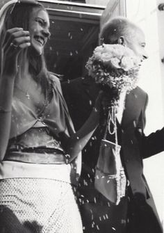 labotanique:Mike Penn   Natalia Vodianova and Justin Portman's wedding Tom Ford dress   November 2001