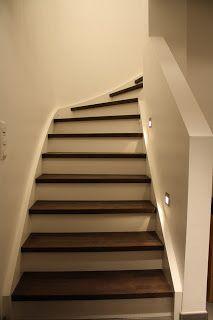 indirekte beleuchtung der treppenstufen mit kaltwei en led. Black Bedroom Furniture Sets. Home Design Ideas