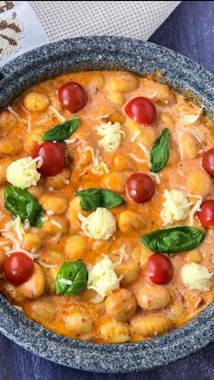 Gnocchi Tomaten Mozzarella – SaltSugarLove Gnocchi Tomaten Mozzarella – SaltSugarLove,Schnelles essen für gäste Gnocchi Tomaten Mozzarella – SaltSugarLove There are images of the best DIY designs in the world. Crock Pot Recipes, New Recipes, Soup Recipes, Chicken Recipes, Healthy Recipes, Meatball Recipes, Healthy Meals, Aubergine Mozzarella, Tomato Mozzarella