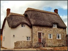 Extension to thatched cottage at Stapleford, Salisbury, Wiltshire. Salisbury Wiltshire, Cottage Extension, Thatched House, Extension Ideas, Service Projects, Cottage Gardens, House Extensions, British Isles, Cottages