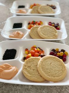 to Host a Halloween Cookie Decorating Party for Kids - October! -How to Host a Halloween Cookie Decorating Party for Kids - October! Halloween Tags, Halloween Celebration, Halloween Food For Party, Halloween Cupcakes, Halloween Projects, Halloween 2020, Kids Halloween Activities, Holloween Cookies, Halloween Birthday Decorations