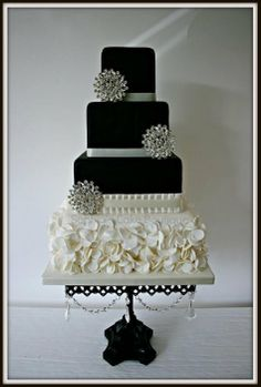 Monochrome Chic - by SophiasCakeBoutique @ CakesDecor.com - cake decorating website