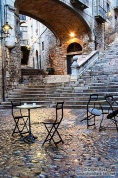 Square in Girona`s historical old town, Catalonia - Catalunya, Spain Places Around The World, Oh The Places You'll Go, Places To Travel, Places To Visit, Around The Worlds, Beaux Villages, Voyage Europe, Photos Voyages, Medieval Town