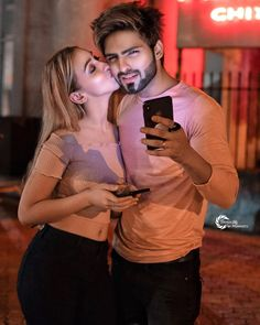 When 2 people really care about each other, they always find a way to make it work. No matter how hard it is Pic-credits 😍 . Romantic Couple Kissing, Romantic Couple Images, Love Couple Images, Love Couple Photo, Cute Love Couple, Couples Images, Romantic Couples, Couple Romance, Beautiful Couple