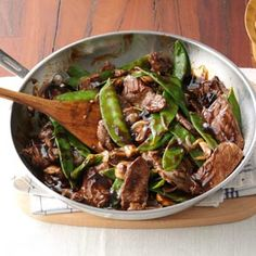 Snow Peas & Beef Stir-Fry Recipe -Skip greasy takeout food and go for this healthy and fast dinner that's so much more enjoyable. Asian Recipes, Beef Recipes, Cooking Recipes, Healthy Recipes, Chinese Recipes, Oriental Recipes, Oriental Food, Cooking Games, Healthy Foods