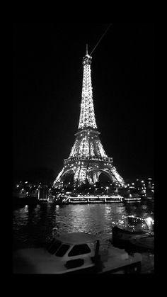 Paris views at night - Paris Noir - Effiel Tower