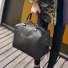 e44717b1d1cf 2017 Big Luxury Handbags Women Bag Women Messenger Bags Leather Handbags  Snake Purses Famous Brand Designer