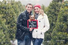 Cozy winter engagement | Photo by Jeremy Riden Photography