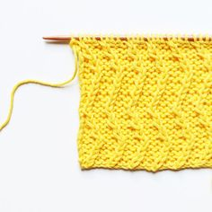 Le point de manne - large basketweave stitch — trust the mojo Knitting Wool, Knitting Stitches, Knitting Needles, Baby Knitting Patterns, Knitting Designs, Baby Patterns, Easy Knitting Projects, Waffle Stitch, Herringbone Stitch