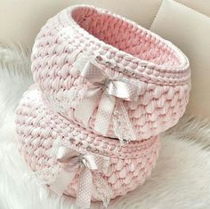 Find and save knitting and crochet schemas, simple recipes, and other ideas collected with love. Diy Crochet Basket, Crochet Bowl, Crochet Basket Pattern, Knit Basket, Crochet Granny, Crochet Yarn, Free Crochet, Crochet Patterns, Crochet Stitches