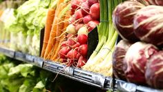 Toxic Food Pesticides in Produce - The presence of pesticides in produce is a concern for many people. Consumer Reports examines the pesticide residues on produce to help consumers reduce exposure. Non Organic, Organic Fruit, Organic Vegetables, Fruits And Vegetables, Veggies, Get Healthy, Healthy Eating, Toxic Foods, Lean Protein