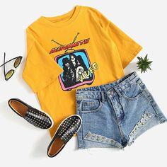 Yellow Cartoon Print T-Shirt * gelbes cartoon-druck-t-shirt * t-shirt imprimé dessin animé jaune Winter Fashion Outfits, Trendy Outfits, Cool Outfits, Fashion Dresses, Teenager Outfits, College Outfits, Graduation Outfits, 1980s Fashion Trends, Flannel Outfits