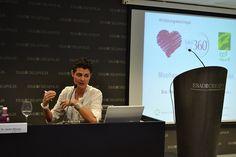Mar Blanco durante su conferencia: Omega 3: nutriente esencial en la salud de la mujer Patrocinada por 100% Natural