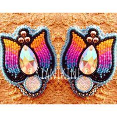 Native American Beaded Earrings: tulip set  by KianiKine on Etsy