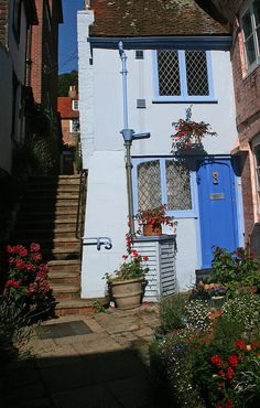 Hastings Old Town, England As if I could climb those stairs! But I would like to live in a little place like this. – Informations About Hastings Old Town, England As if I could climb those stairs! But I would like to live in a little place like this. Hastings Old Town, Hastings East Sussex, Old Town Edinburgh, England And Scotland, England Uk, Old Town Alexandria, Old Town Square, English Countryside, England